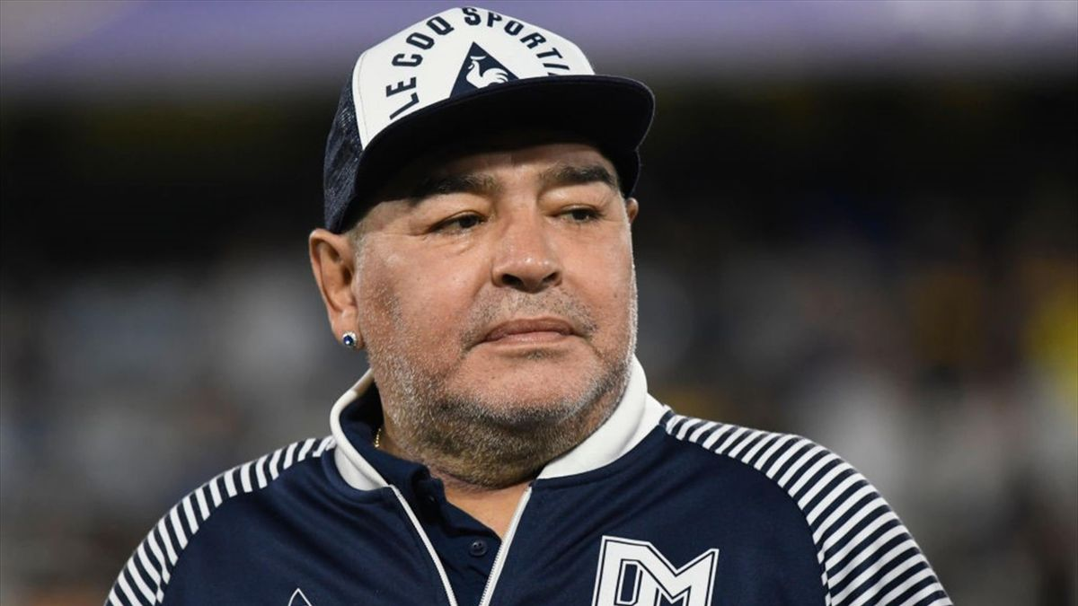 """Maradona sarebbe morto dopo un'agonia durata tra le 17 e le 25 ore"""" - Nano  TV"""